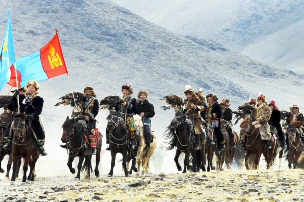parade-of-golden-eagle-hunters