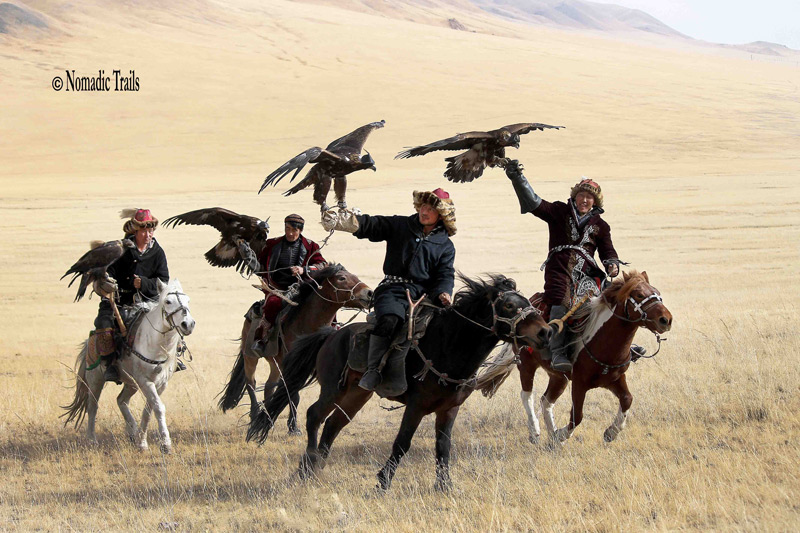 Group-Riders-of-Golden-Eagle