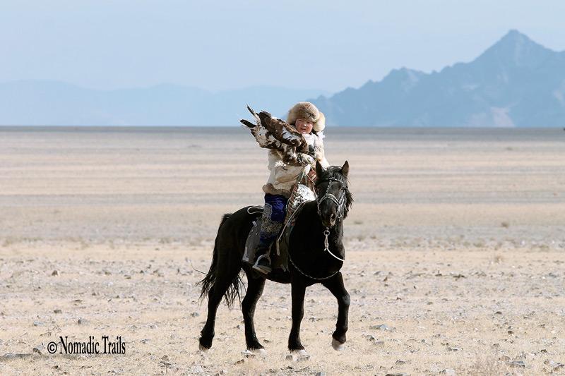 Oshilpan, Golden eagle Huntress