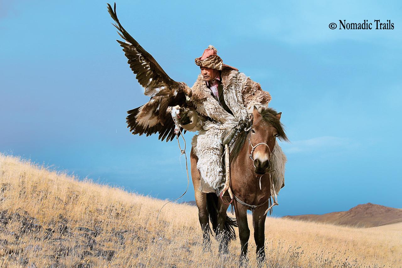 GOLDEN EAGLE HUNTERS MONGOLIA