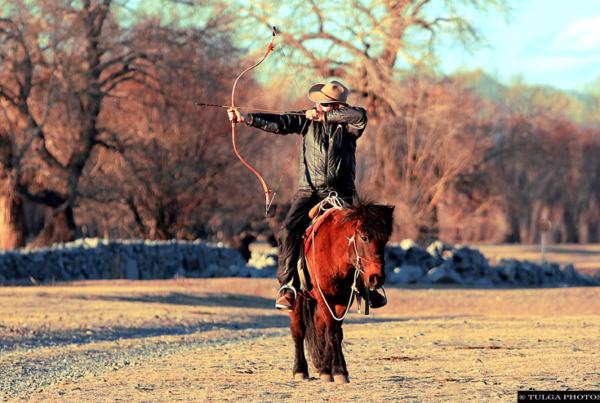 Mongolian Horseback Archery tour